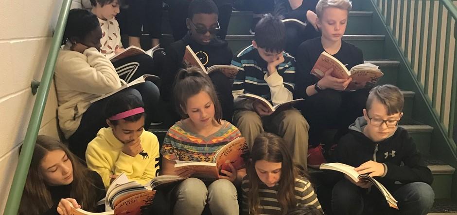 6th Graders Reading